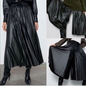 Zara Faux Leather Pleated Pants